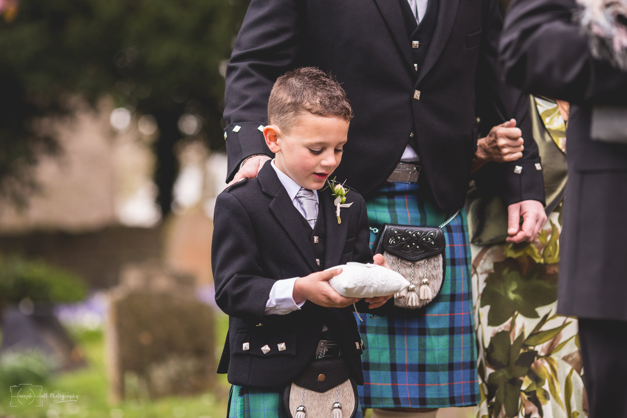 HHP-kilts-ceilidh-floral-wedding-23
