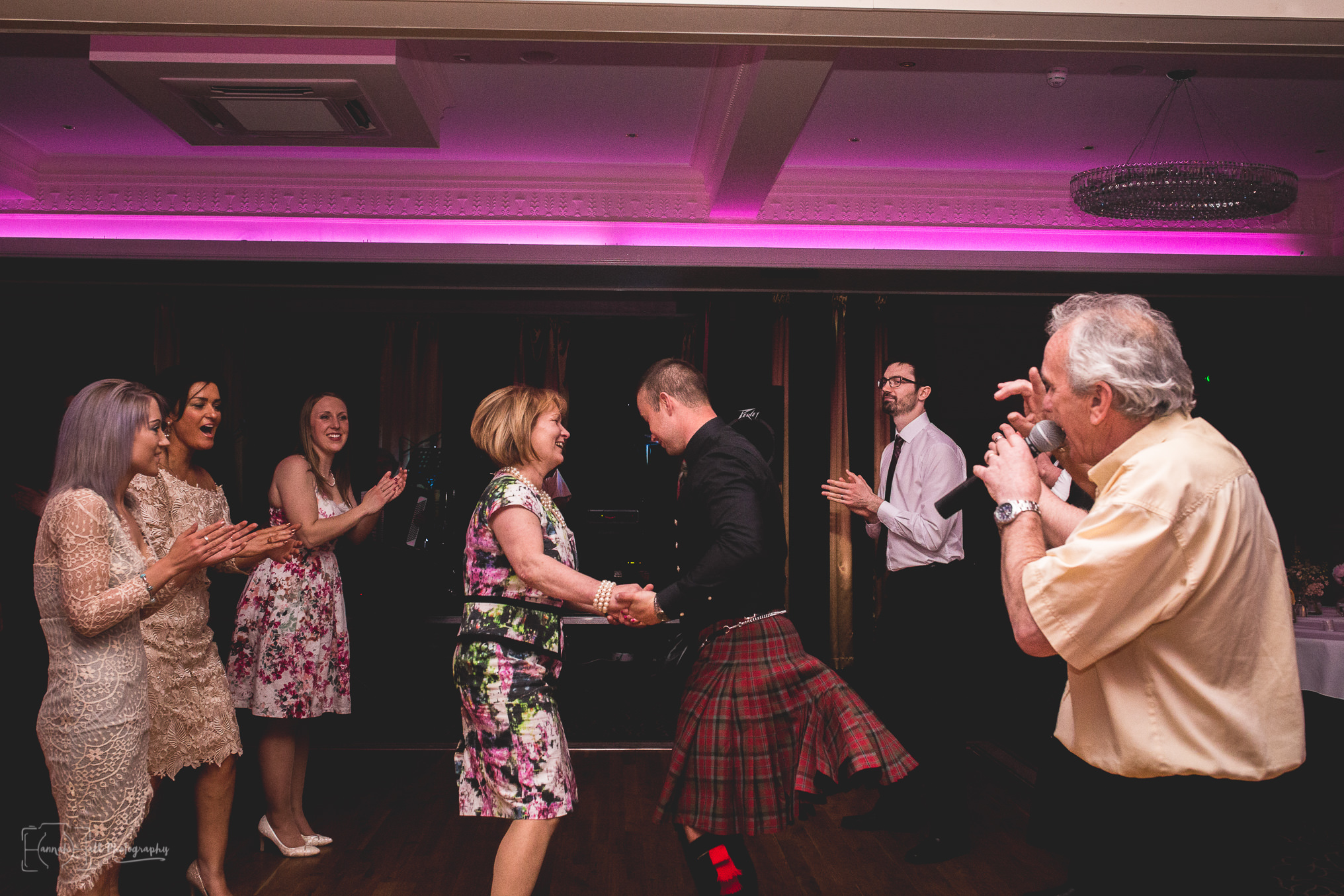 HHP-kilts-ceilidh-floral-wedding-45