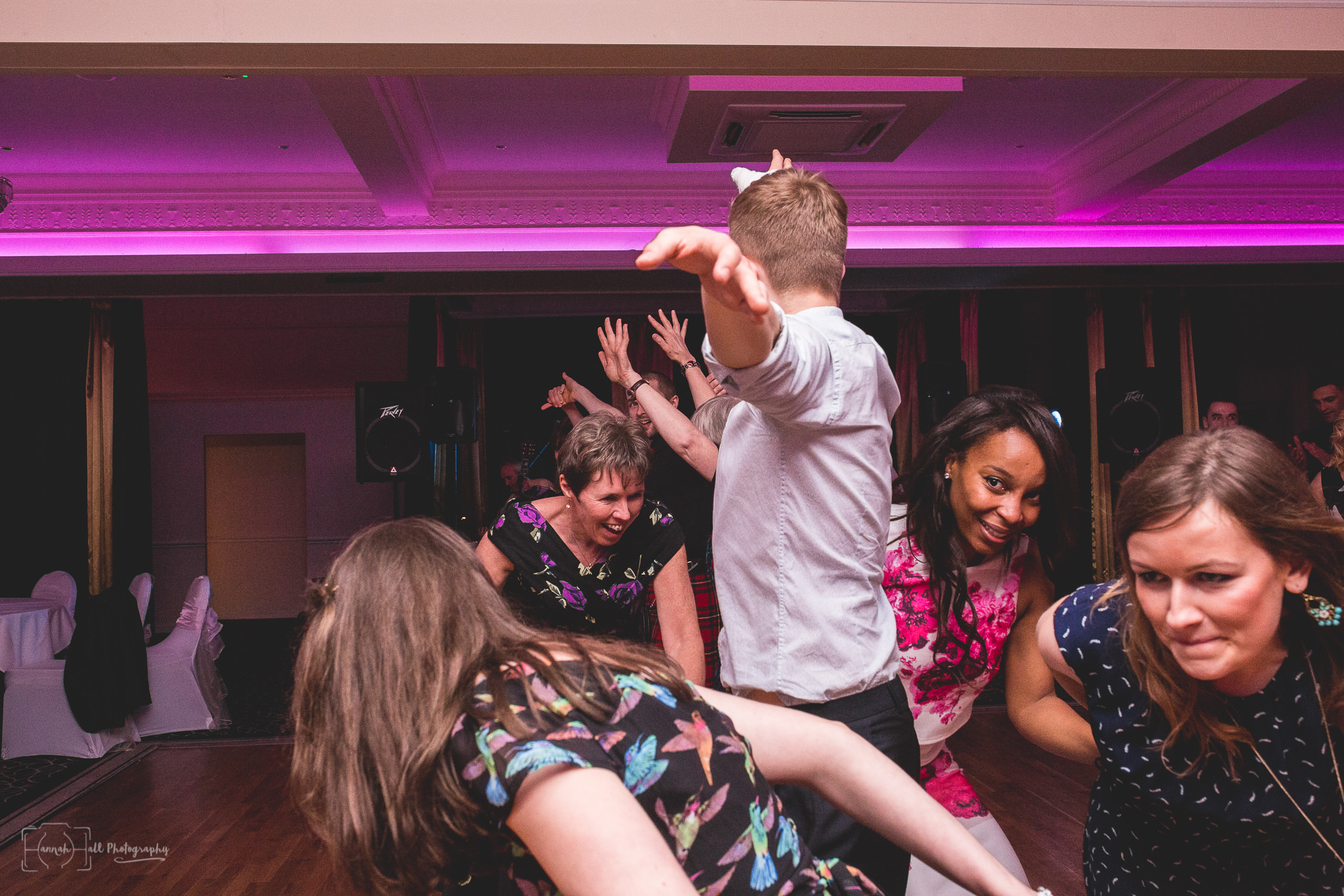 HHP-kilts-ceilidh-floral-wedding-46