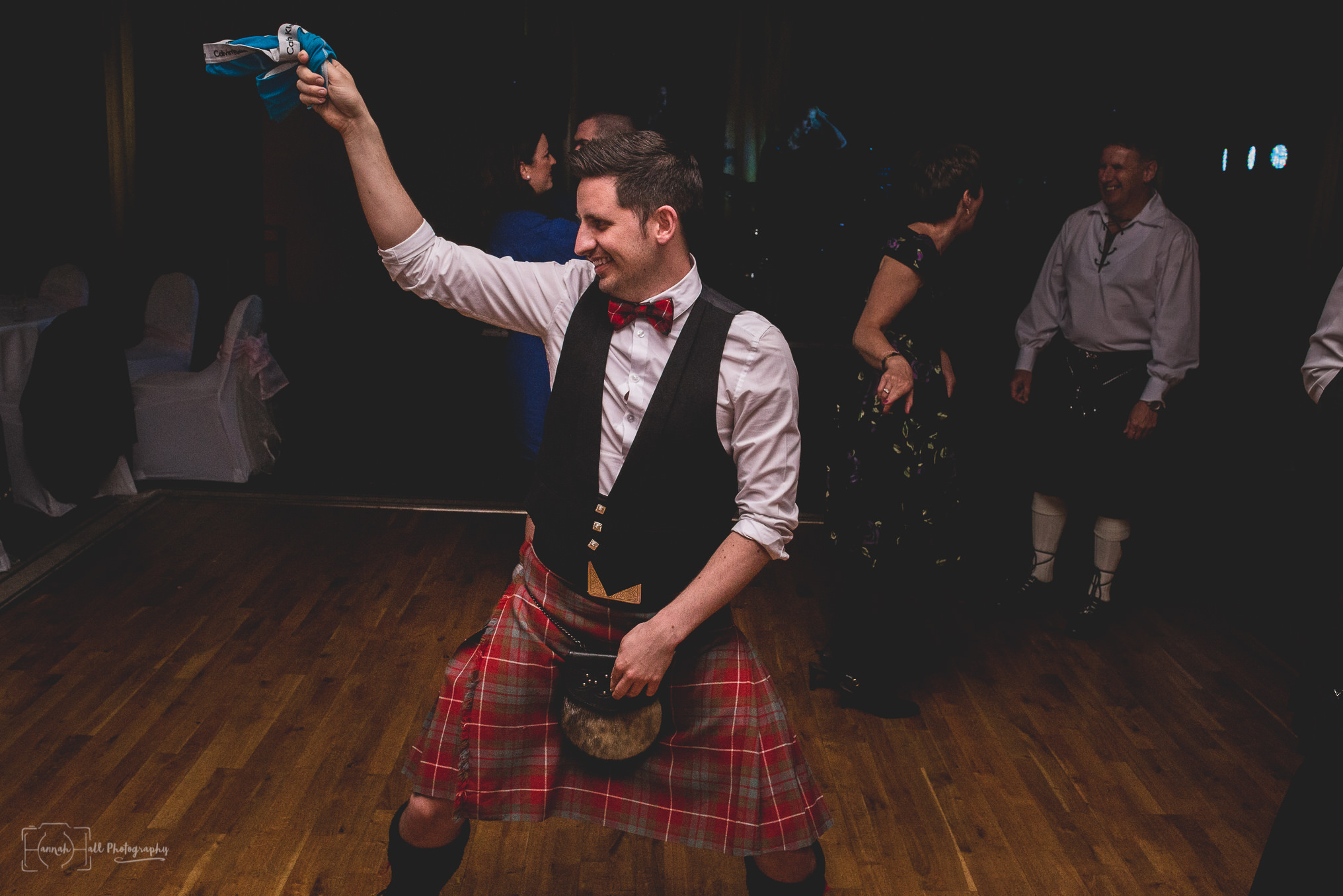 HHP-kilts-ceilidh-floral-wedding-49
