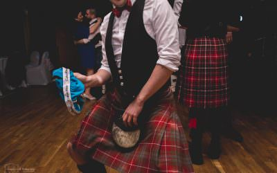 Rachael & Scott | Kilts, ceilidhs and fabulous florals