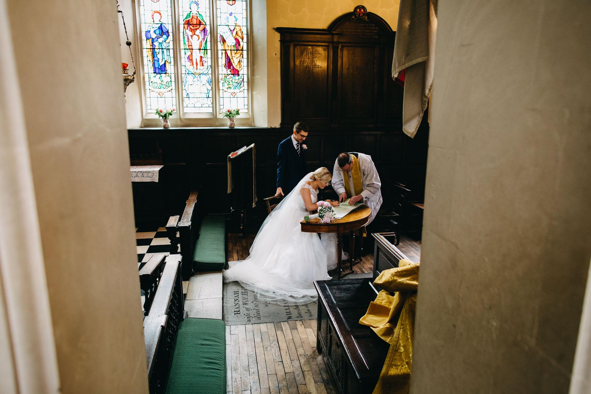 book-theme-wedding-dodmoor-house-23