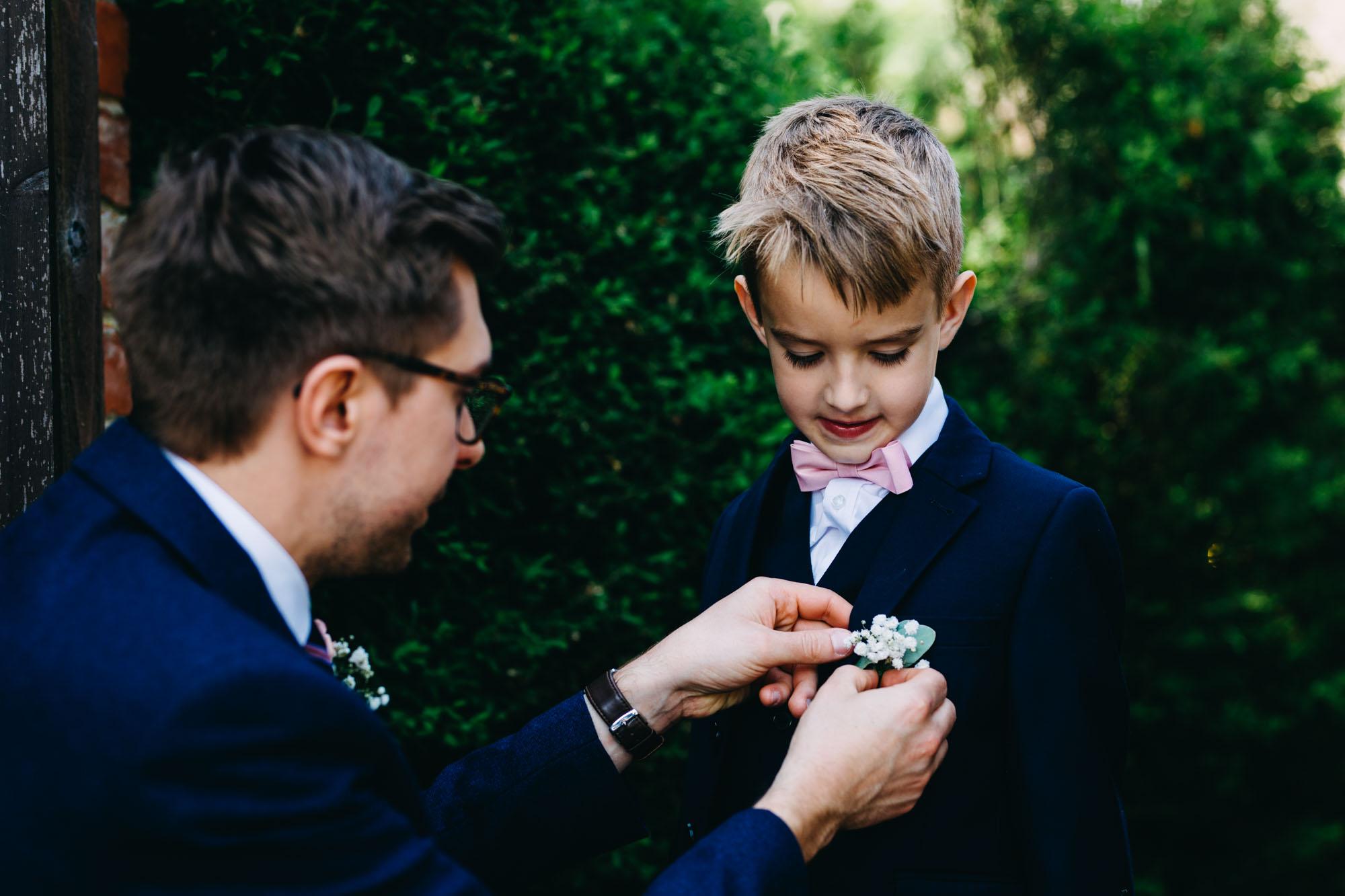 book-theme-wedding-dodmoor-house-33
