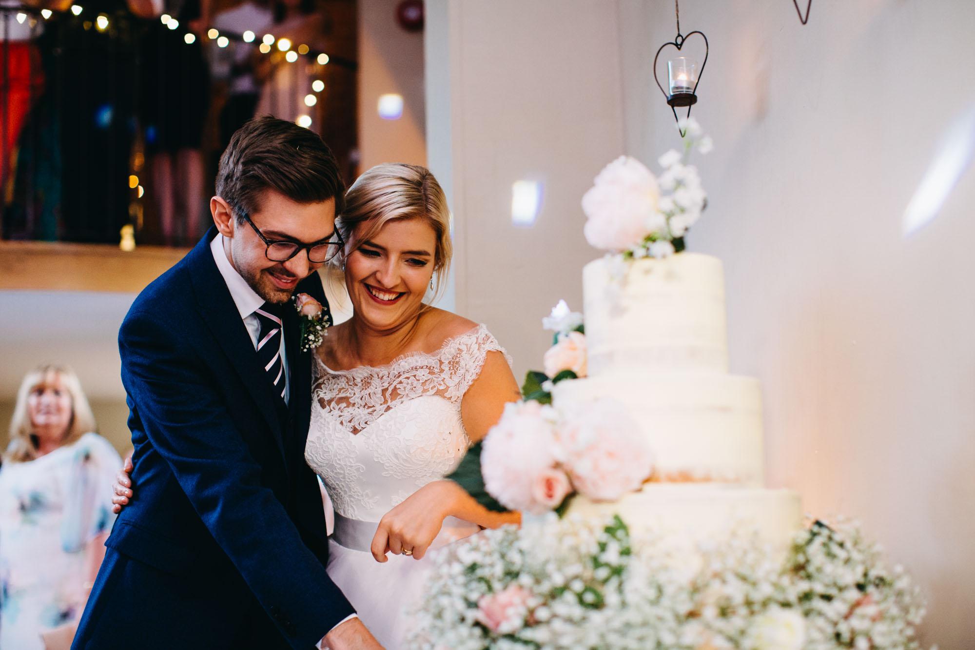 book-theme-wedding-dodmoor-house-59