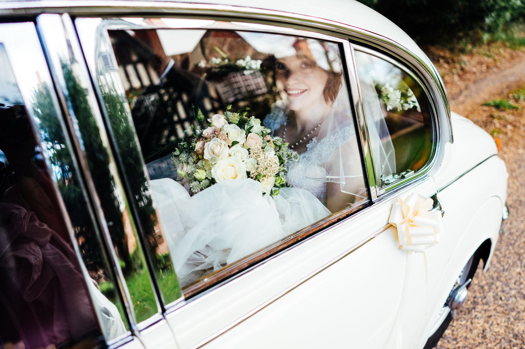 wedding-at-dodford-manor-20