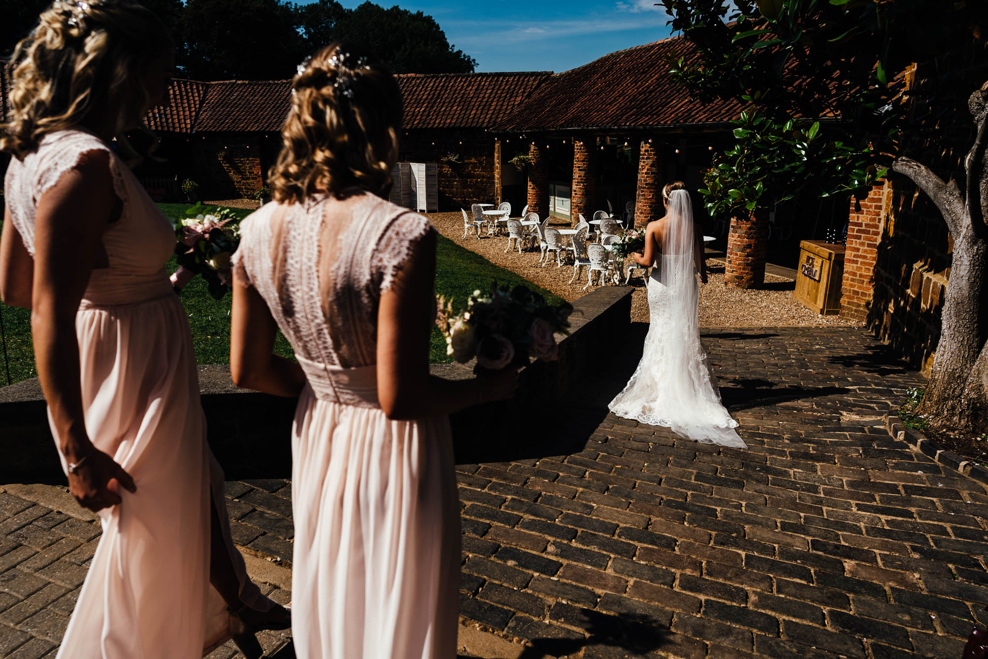 wedding-at-the-barns-at-hunsbury-hill-13