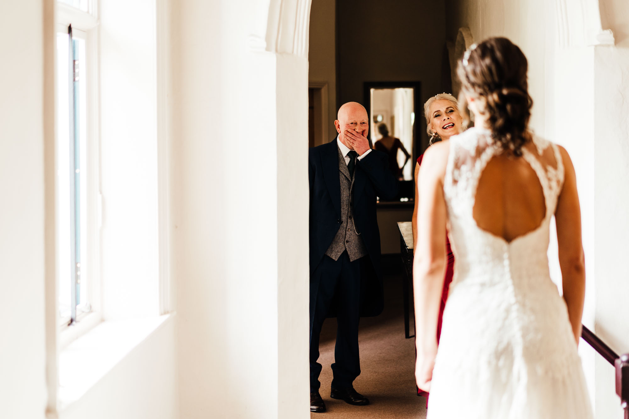 colourful-suffolk-barn-wedding-16