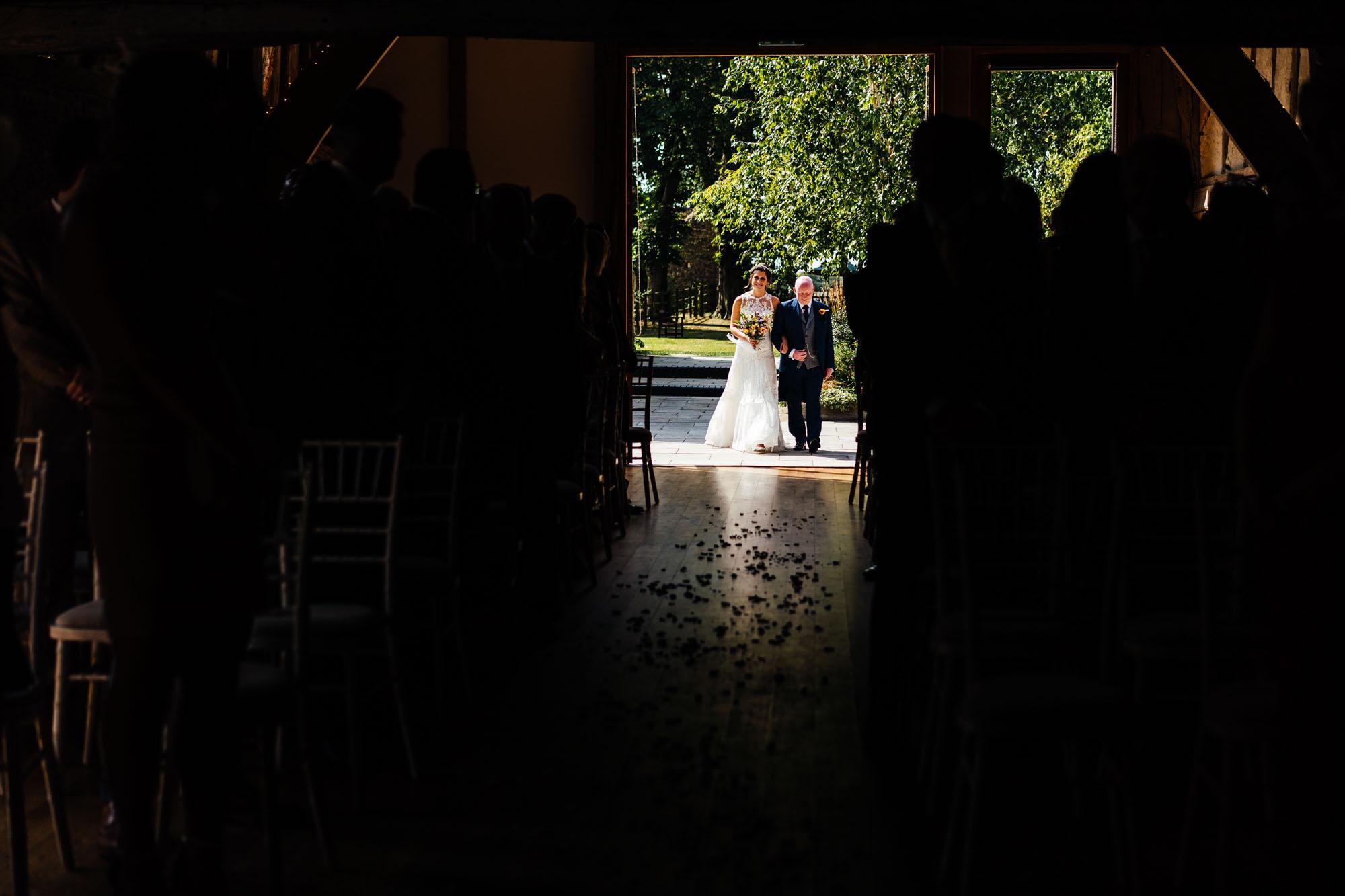 colourful-suffolk-barn-wedding-18