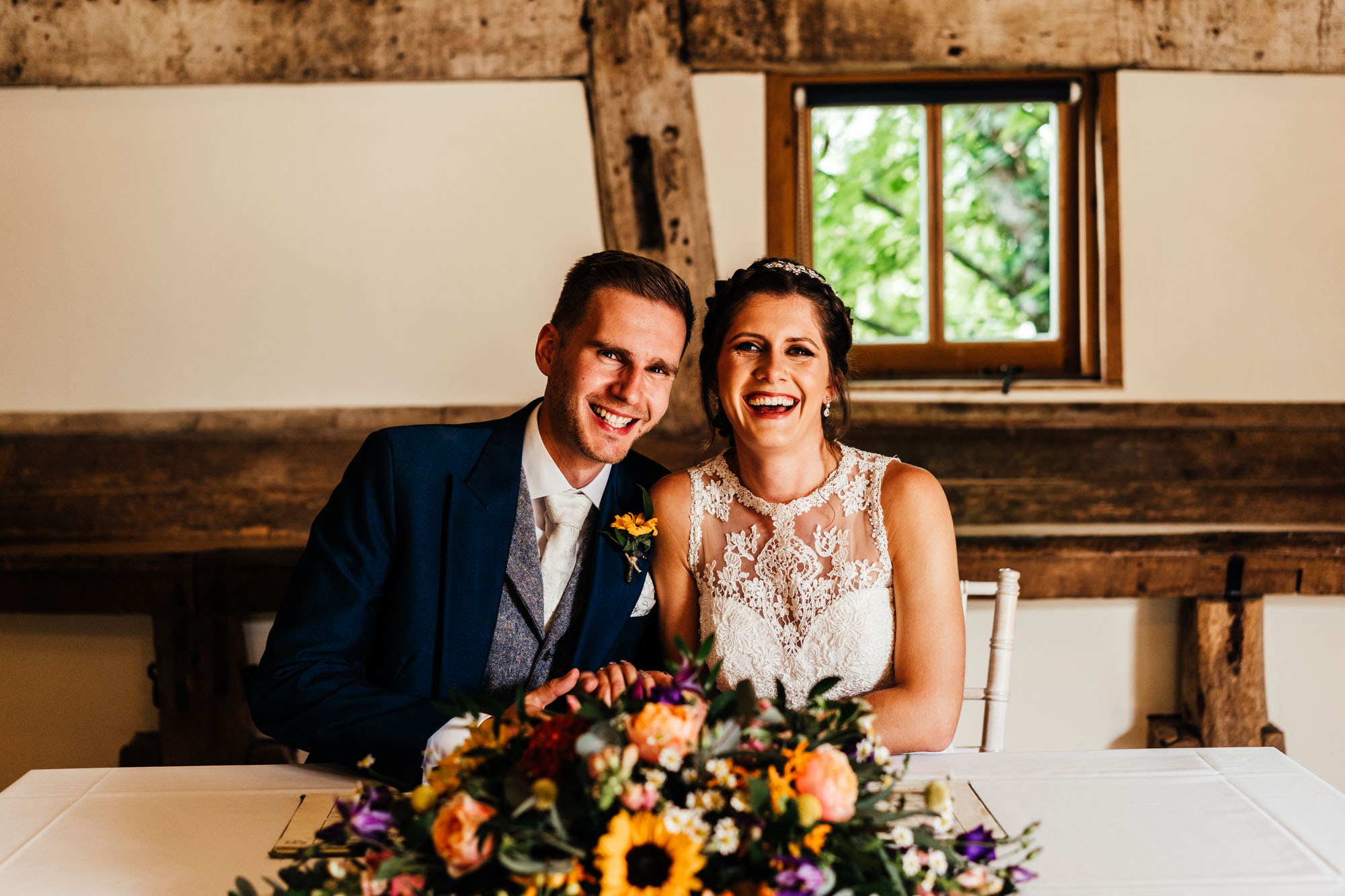 colourful-suffolk-barn-wedding-25