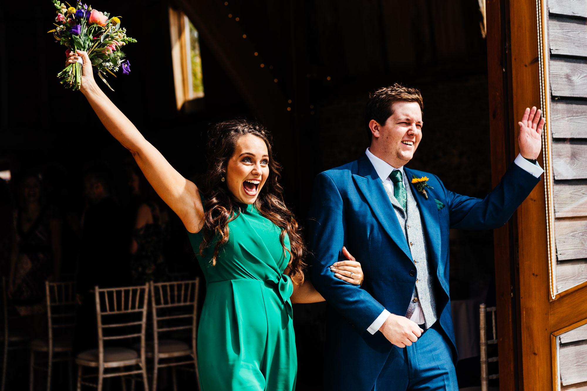 colourful-suffolk-barn-wedding-27