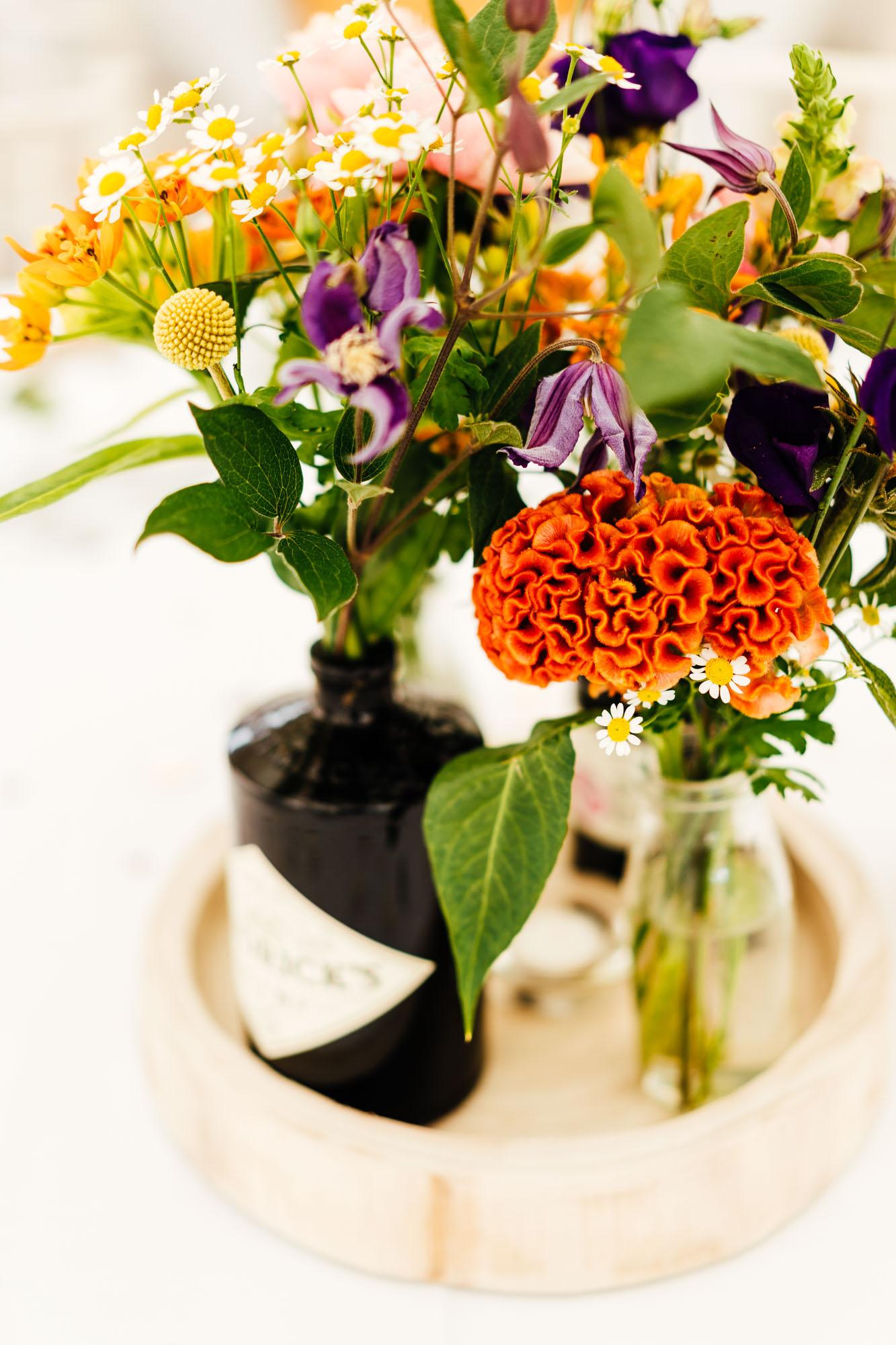 colourful-suffolk-barn-wedding-33
