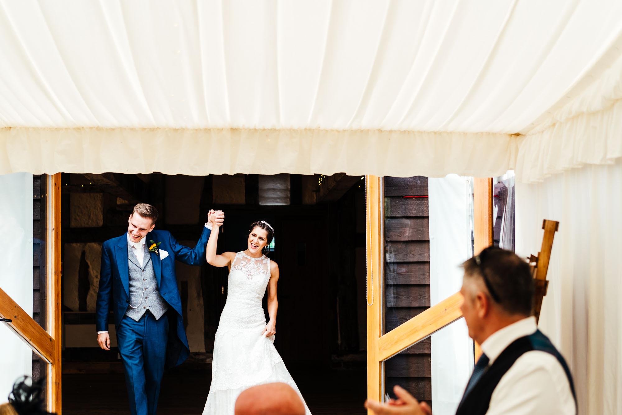 colourful-suffolk-barn-wedding-44