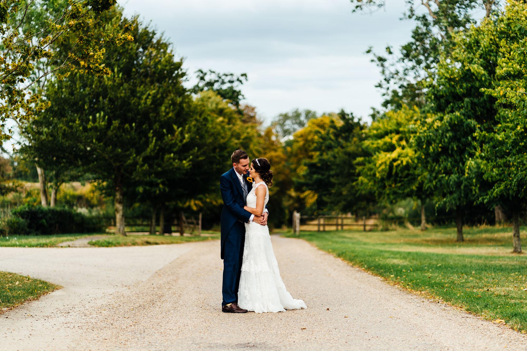 colourful-suffolk-barn-wedding-50