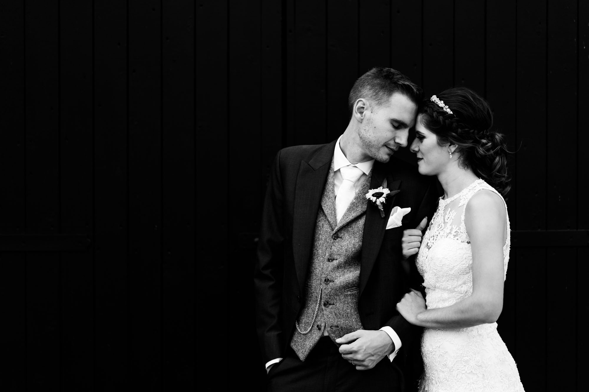 colourful-suffolk-barn-wedding-53