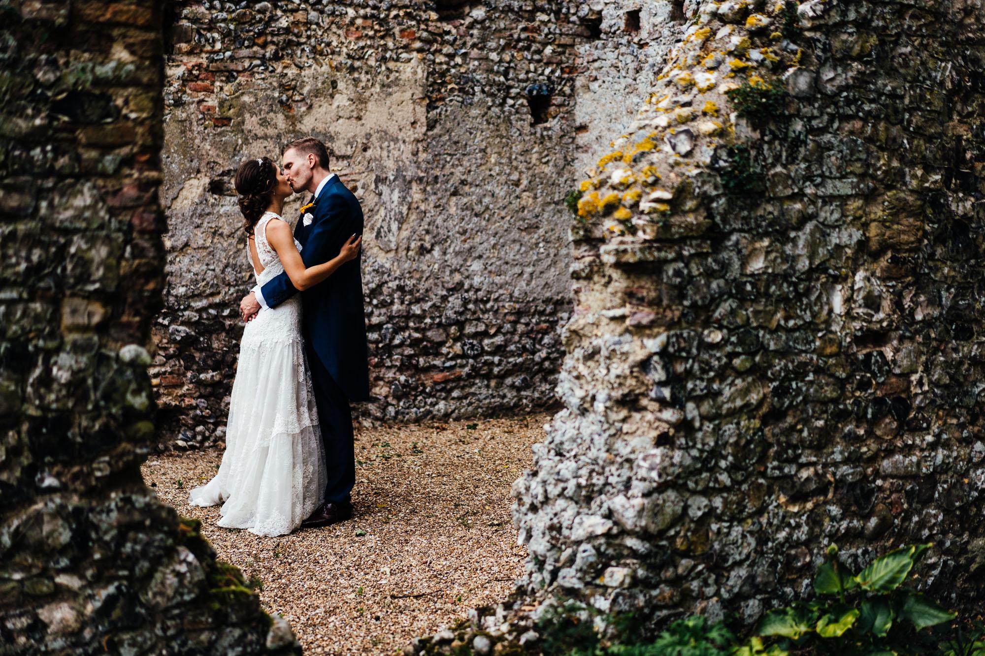 colourful-suffolk-barn-wedding-54
