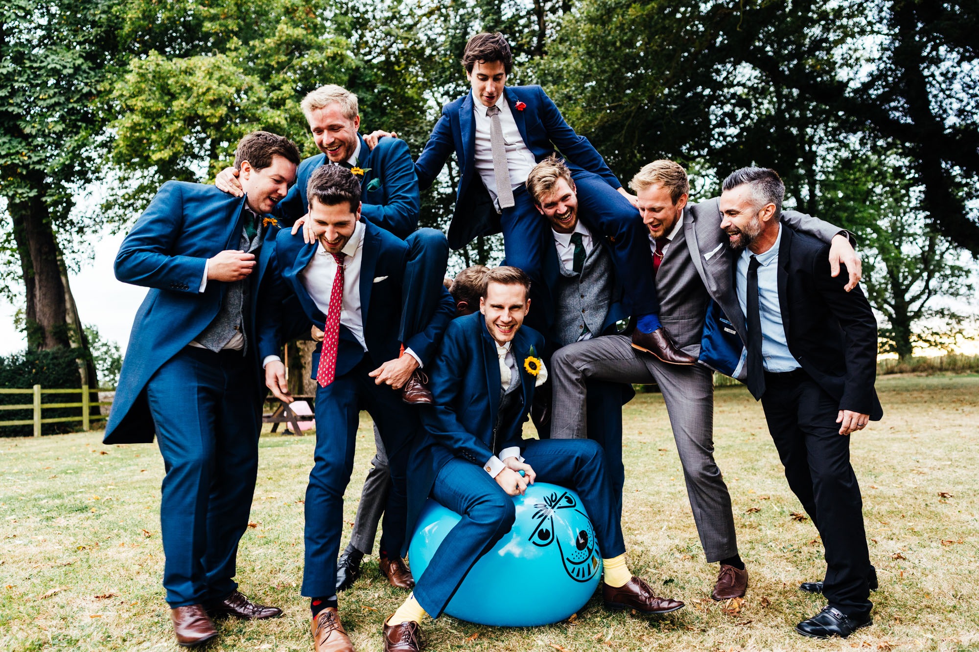 colourful-suffolk-barn-wedding-58