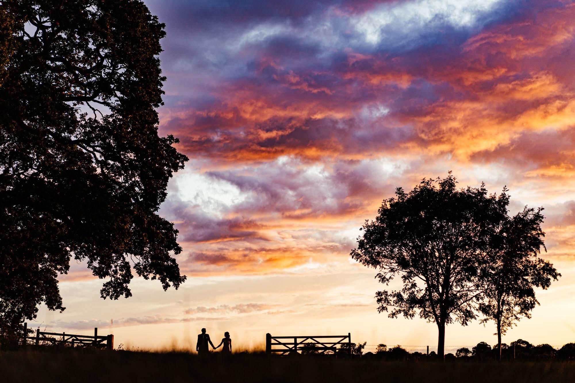 colourful-suffolk-barn-wedding-61