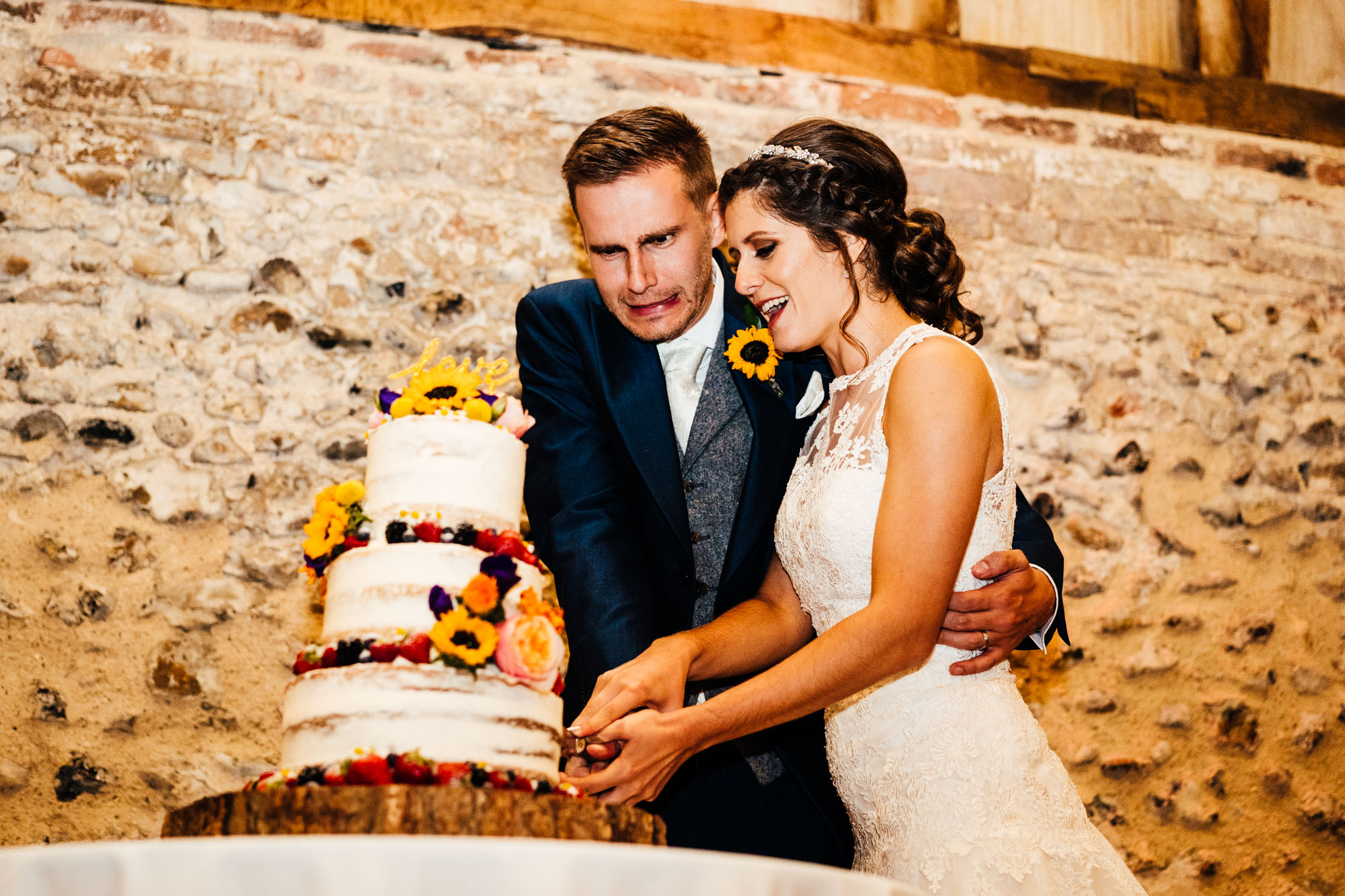 colourful-suffolk-barn-wedding-62